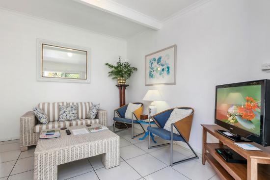 Beachcomber Peregian Beach: Apt 1 Lounge Dining