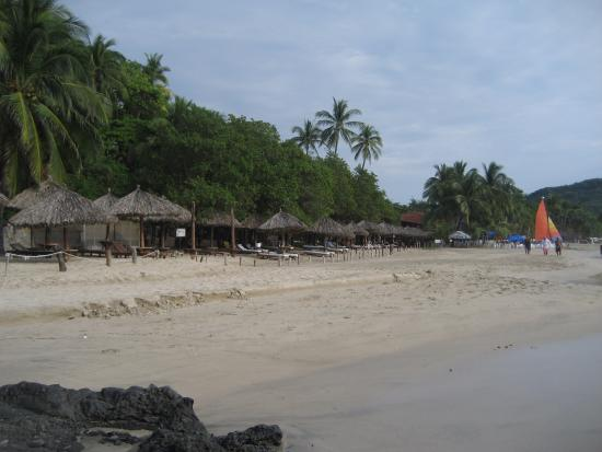 Catalina Beach Resort: Palapas