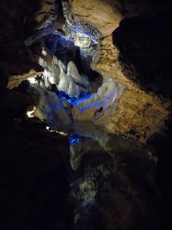 Mark Twain Cave and Cameron Cave照片