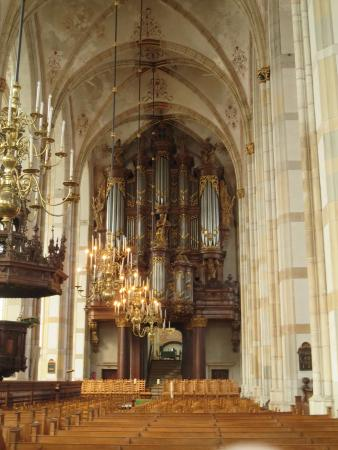 Blick auf Arp-Schnitger-Orgel - Picture of Grote of St