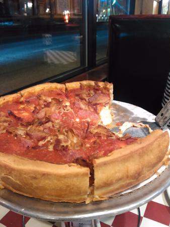 Westchester, IL: Deep Dish Pizza - YUM