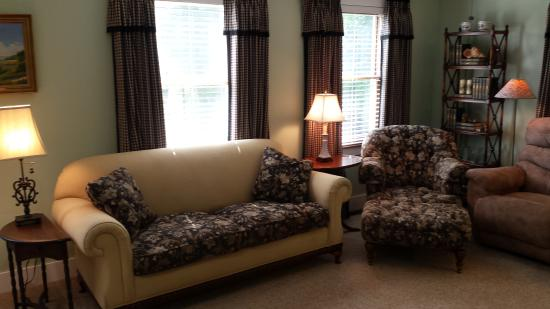 West Glover, VT: Two couches and two easy chairs form a cozy citting area providing plenty of room to stretch out