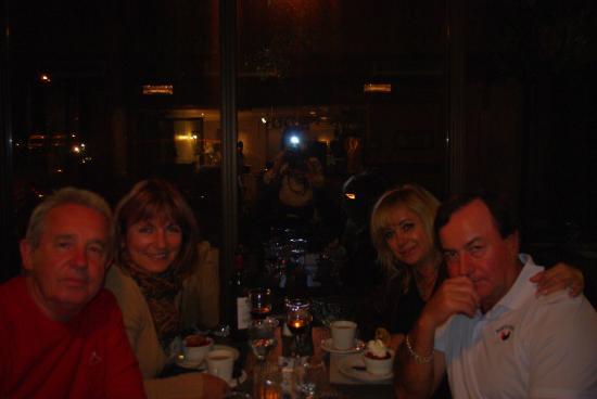 Restaurant L'escalope: Dinner at L'Escalope with friends