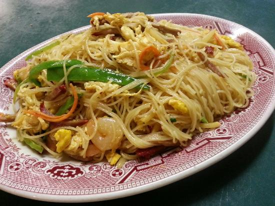 Newport News, VA: Human Shrimp,  Singapore Noodle,  Mongolian Beef and Lemon Salmon
