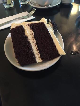 Mimi's Bakehouse: Oreo cake