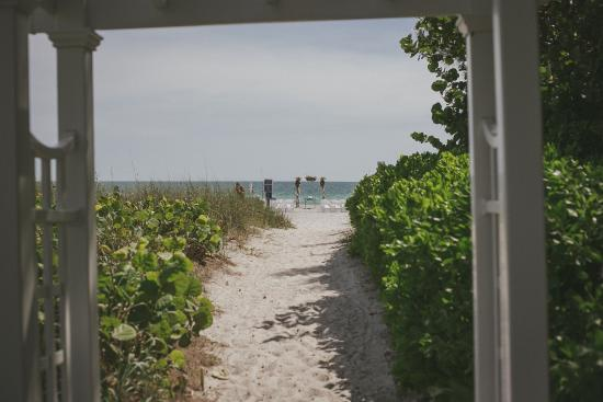 Wicker Inn Beach Resort: The Wicker Inn