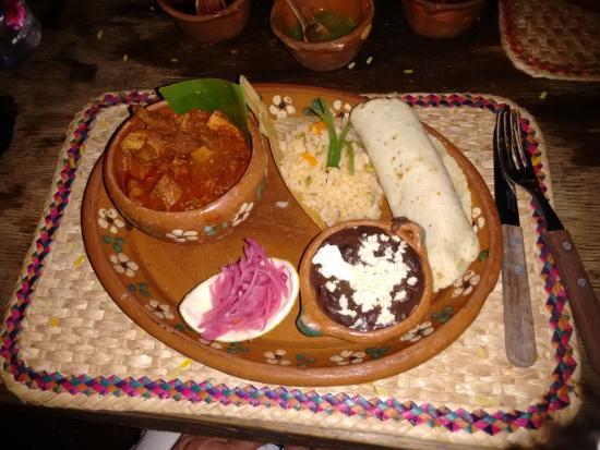 Los Tres Gallos: Cochinita Pibil