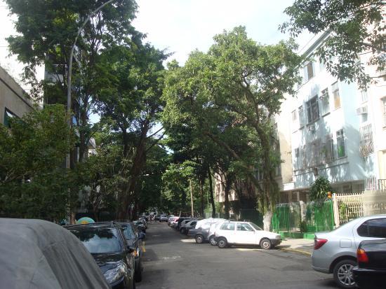 Praça Edmundo Bitencourt