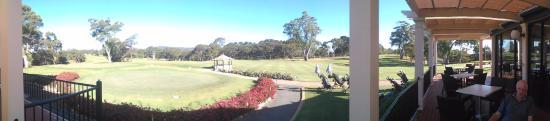 Glen Osmond, Úc: The 18th Fairway - from the 19th, (Club House Verandah)