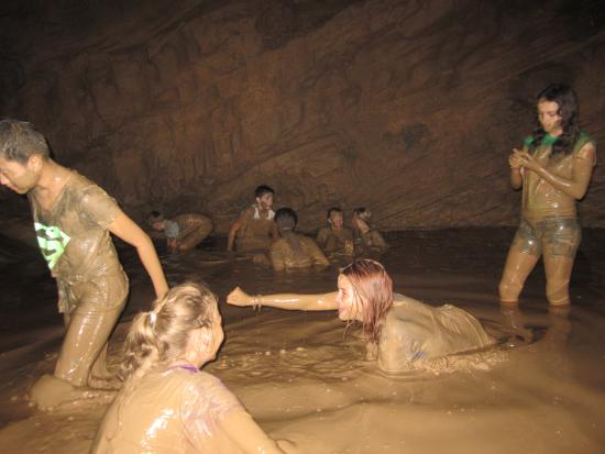 Moon Water Cave : Fun in the mud