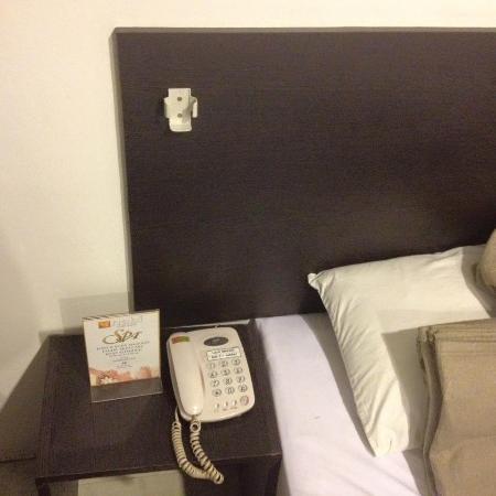 Inwangsan Hotel : bed