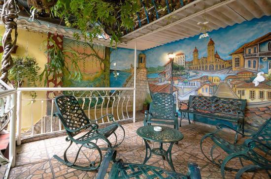 Roy's Terrace Inn - Roof Garden