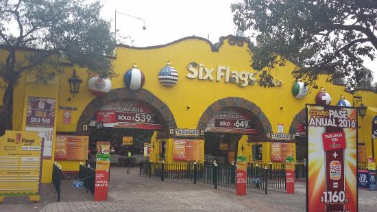 my first trip to six flags Traveling is one of my favorite things to do i have visited many places throughout the united states, however, none are as exciting as atlanta, georgia in atlanta, there are many places to go and sights to see for example, six flags over georgia, stone mountain park, and the atlanta braves.