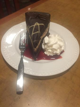 VanWinkle's at the Kaatskill Mountain Club: Dark/White Choclate Pie with Raspberry Sauce