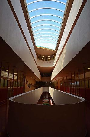 Marin Center: Great Interior Lines