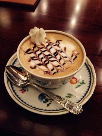 Tsubakiya Cafe
