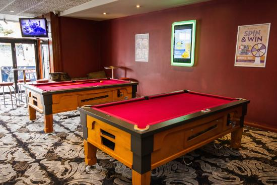 Wiley Park Hotel: Pool Tables
