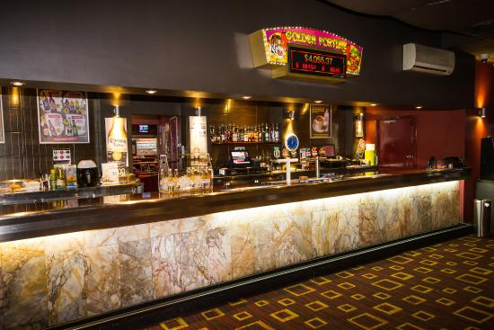 Wiley Park Hotel: Bar