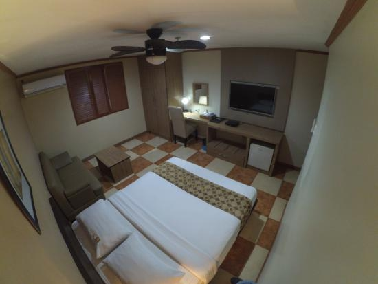 DG Grami Hotel : Renovated deluxe room