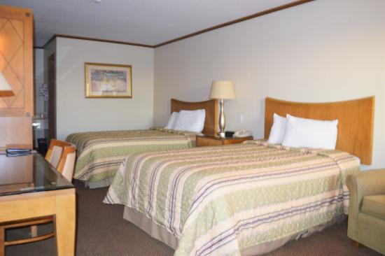 Sweet Springs, MO: Two Full Size Bedroom