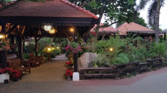 Villa Bali Resort & Spa: Entrance Bungalow