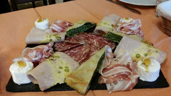 Campo Ligure, إيطاليا: Antipasto per 4 persone