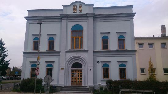 Synagouge in Dobris Town Square,   Mírové náměstí  68, 263 01 Dobříš