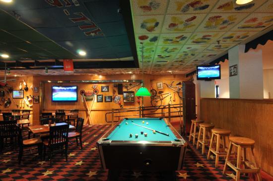 Best Western Royal Plaza Hotel & Trade Center: All-Star Bar & Grill
