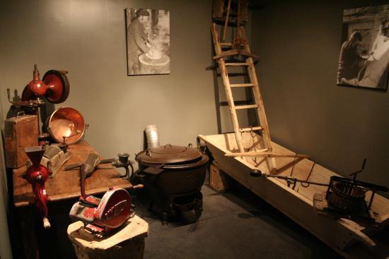 Lacaune, Frankrike: Salaison Oberti - la partie musée de la charcuterie