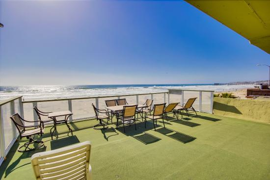Surfer Beach Hotel: Sunset Suite Patio