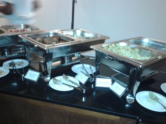 เทมเปิ้ล ทรี รีสอร์ท&สปา: buffet