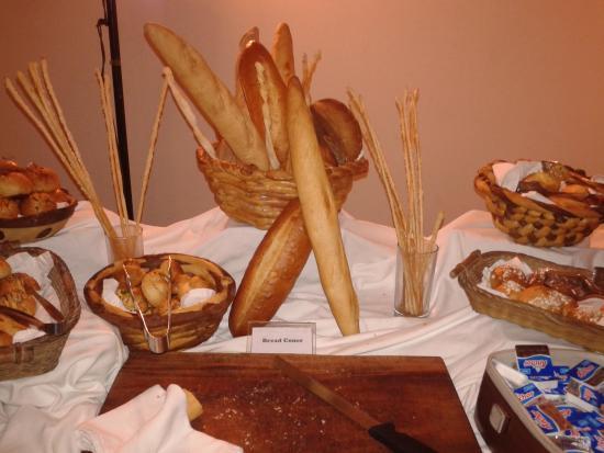 เทมเปิ้ล ทรี รีสอร์ท&สปา: bread sticks