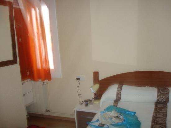 Hostal Barcelona : room interior