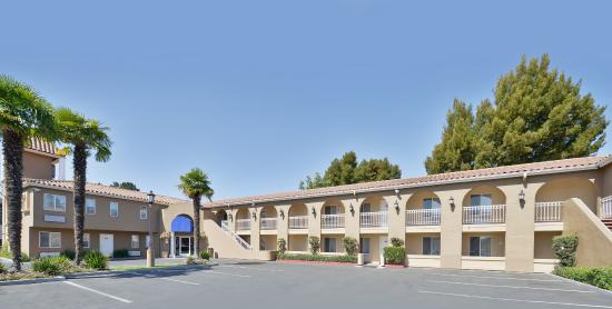 Should be a 2 star hotel review of best western plus for 5th avenue salon redwood city