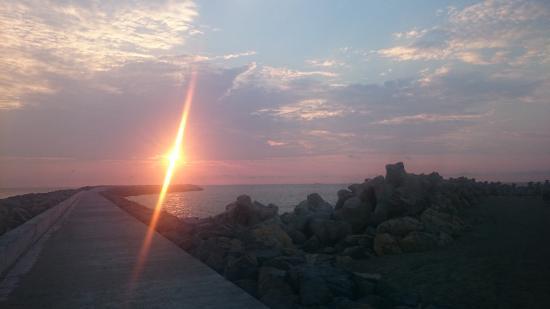 Constanta Beach: amazing sunrise