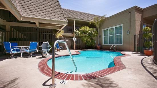 BEST WESTERN Danville Sycamore Inn: Outdoor Pool