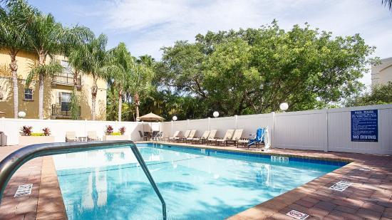 Best Western Plus Fort Lauderdale Airport/Cruise Port: Pool