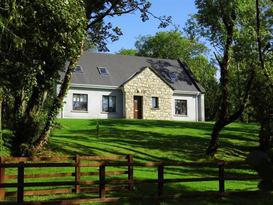 Lakeside Cottages Drumcong: fabulous cottages overlooking Lough Scur