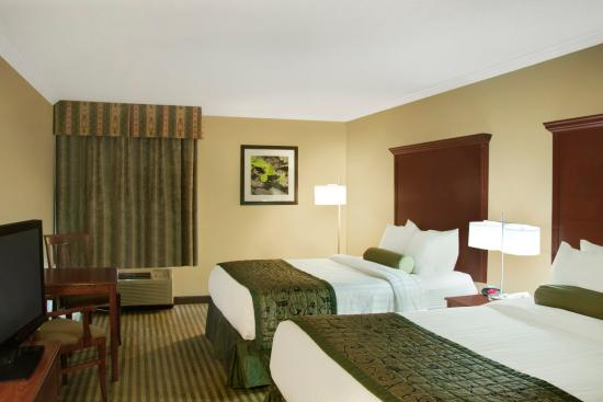 Liverpool, NY: Double Queen BESTWESTERN