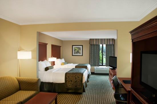 Liverpool, NY: Double Queen Suite BESTWESTERN