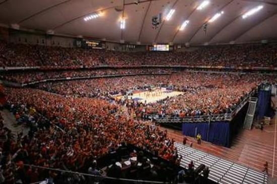 Liverpool, NY: Carrier Dome