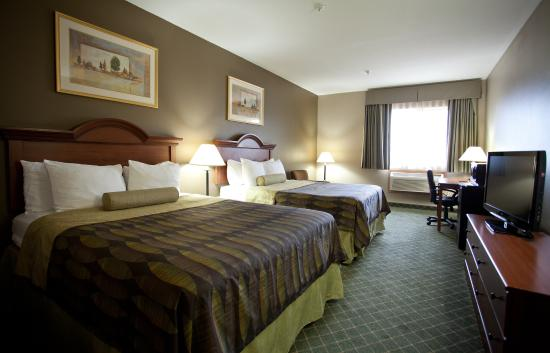 Best Western Plus Tulsa Inn & Suites