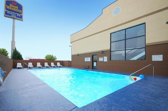 Best Western Santa Fe: Beautiful Outdoor Pool