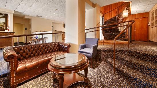 Garden Plaza Hotel: Lobby