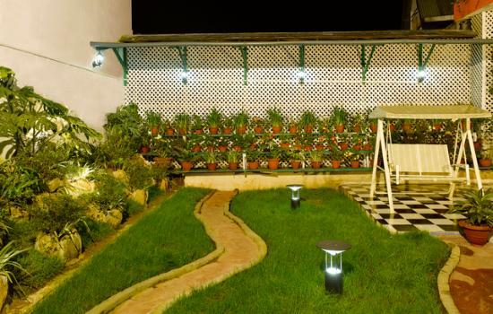 Central Heritage Resort and Spa, Darjeeling: Garden