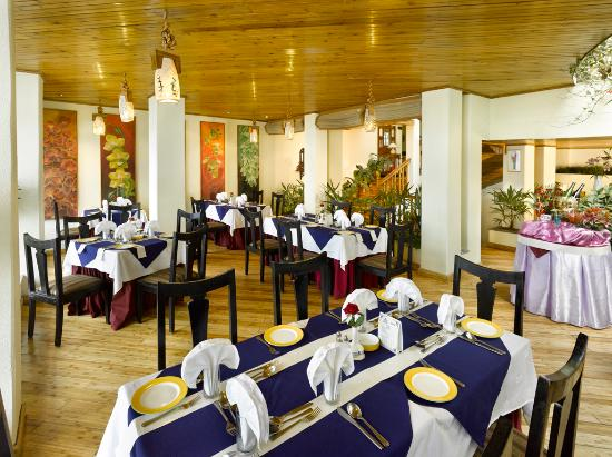 Central Heritage Resort and Spa, Darjeeling: Restaurant