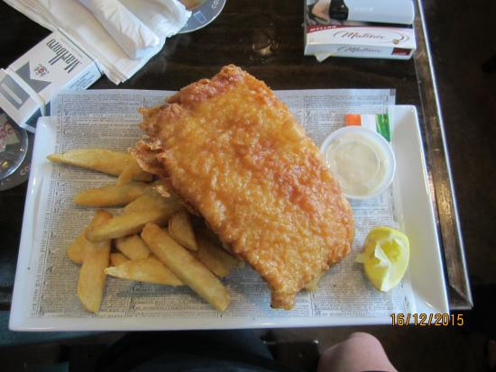 Lynch's Irish Pub: The Cod and Chips are excellent