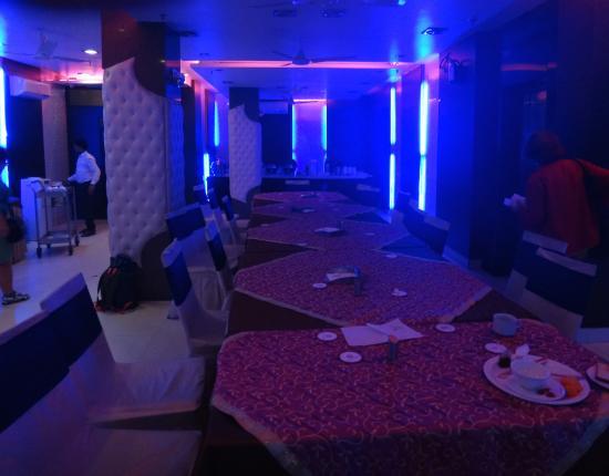 Hotel Yug Villa jídelna