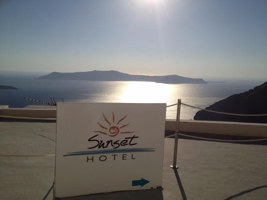 Sunset Hotel : entrance