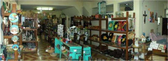Port-au-Prince, Haïti : Shop interior